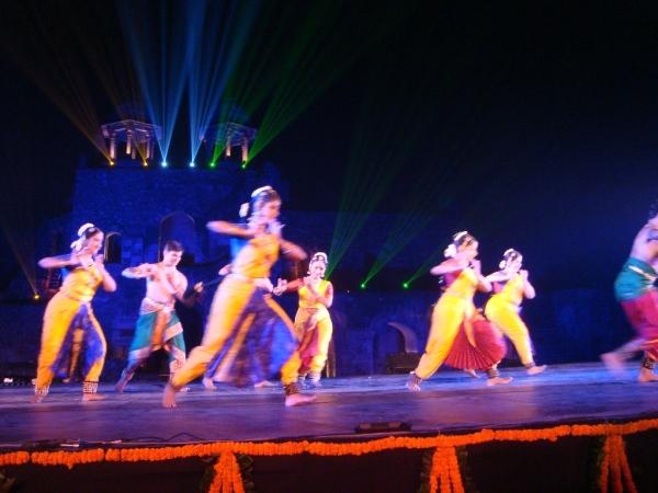 zahajeni-indicky-tanec