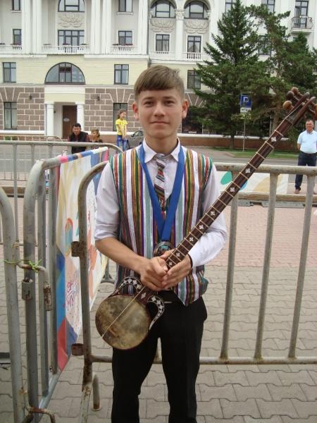 fantastický nástroj v rukách 13 letého chlapce
